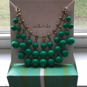Stella & Dot statement necklace like new